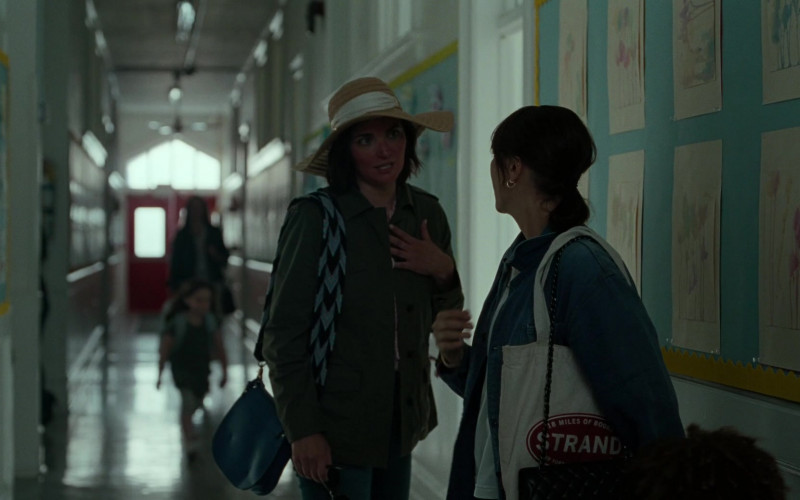 Strand Bookstore Bag of Rashida Jones as Laura in On the Rocks (1)