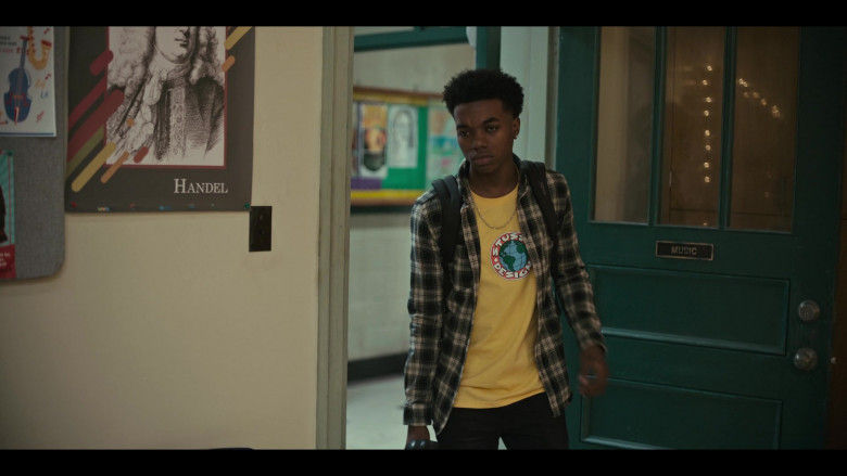 Stussy Designs Yellow T-Shirt Outfit of Maliq Johnson as Jayson Jackson in Grand Army S01E06 TV Show (1)