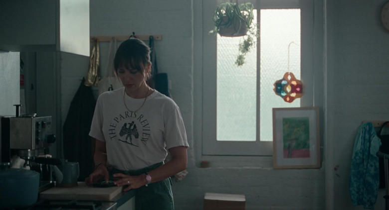 The Paris Review Literary Magazine T-Shirt of Rashida Jones as Laura in On the Rocks Movie (1)