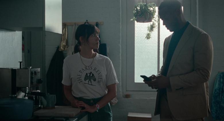 The Paris Review Literary Magazine T-Shirt of Rashida Jones as Laura in On the Rocks Movie (2)