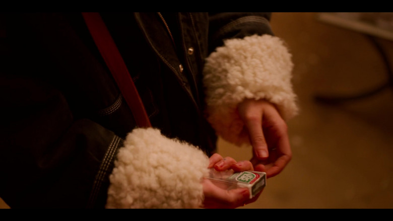 Tic Tac Mints of Emma Roberts as Sloane in Holidate Movie (1)