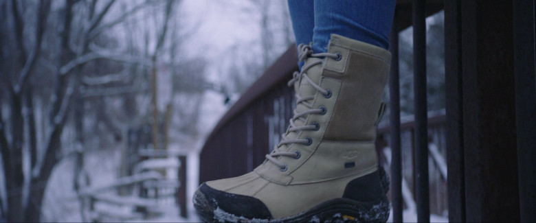 Ugg Adirondack Leather Snow Boots of Joey King as Kayla in The Lie (2018)
