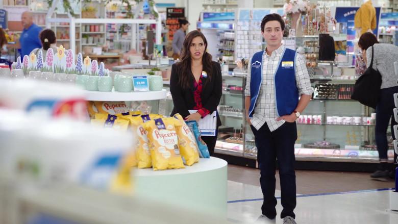 Wise Popcorn in Superstore S06E01 Essential (2020)