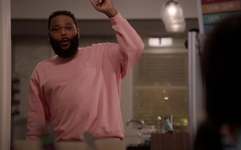 Acne Pink Sweatshirt Outfit of Anthony Anderson as Dre Johnson in Black-ish S07E04 TV Show (1)