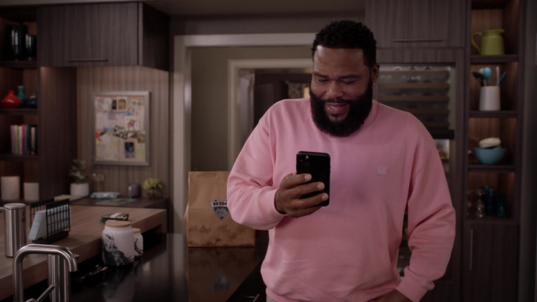 Acne Pink Sweatshirt Outfit of Anthony Anderson as Dre Johnson in Black-ish S07E04 TV Show (2)
