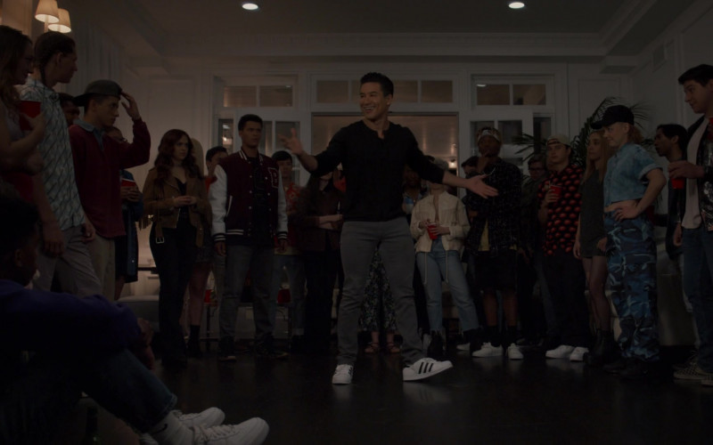 Adidas Shoes of Mario Lopez as A.C. Slater in Saved by the Bell S01E07 House Party (2020)
