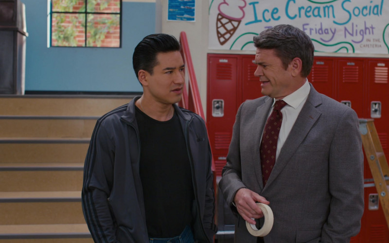 Adidas Track Jacket of Mario Lopez as A.C. Slater in Saved by the Bell S01E03