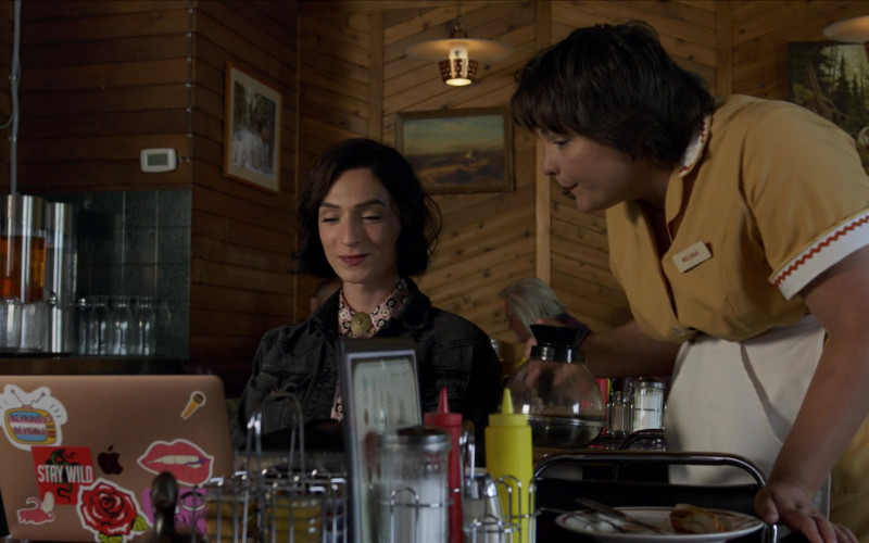 Apple MacBook Air Laptop of Jesse James Keitel as Jerrie in Big Sky S01E01 Pilot (2020)