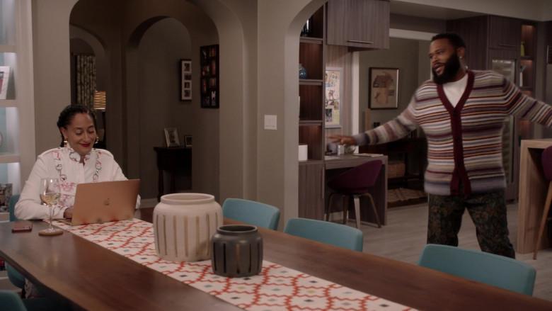 Apple MacBook Laptop of Tracee Ellis Ross as Bow in Black-ish S07E03 Hero Pizza (2020)