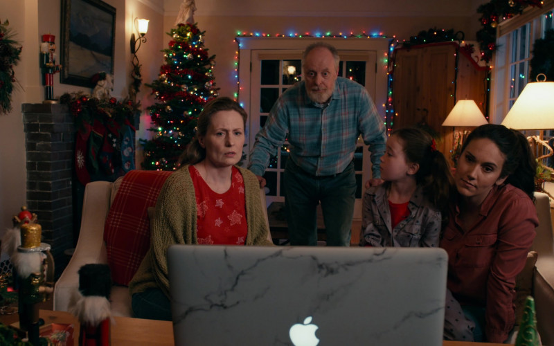 Apple MacBook Laptops Used by Actors in Operation Christmas Drop Movie by Netflix (1)
