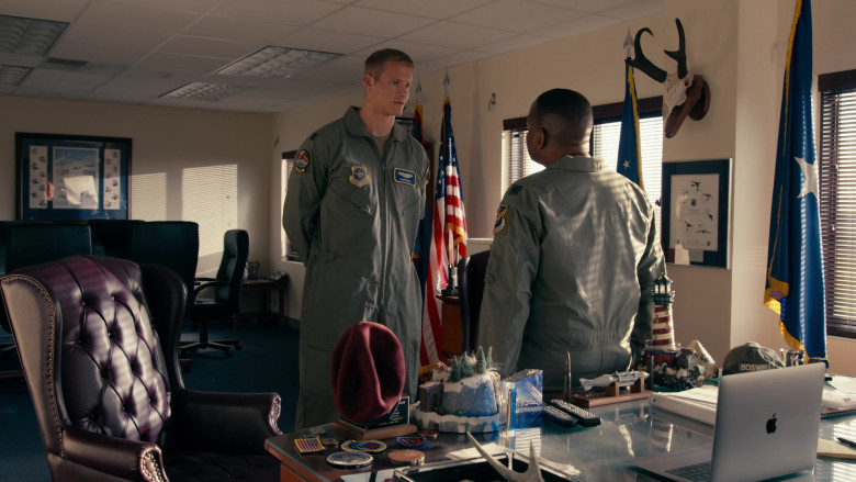 Apple MacBook Laptops Used by Actors in Operation Christmas Drop Movie by Netflix (2)