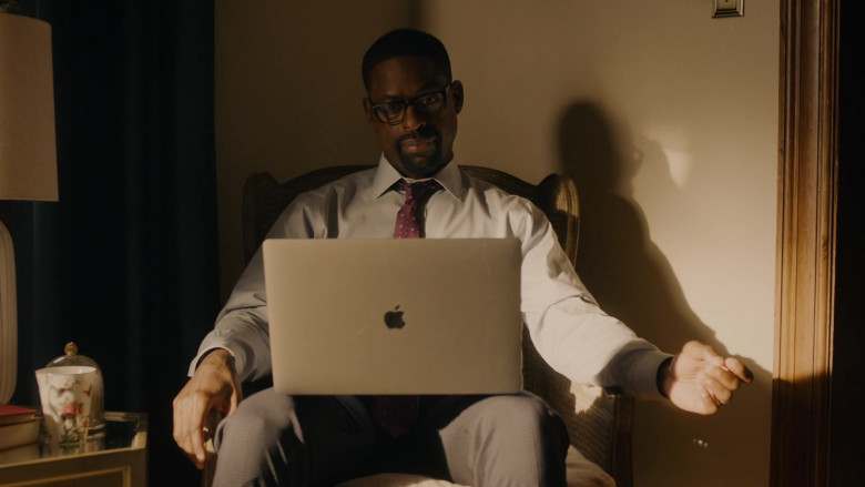 Apple MacBook Pro 15 Laptop of Sterling K. Brown as Randall Pearson in This Is Us S05E03 Changes (2020)