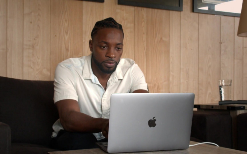 Apple MacBook Pro Laptop of Preacher Lawson as Ben in Connecting… S01E06 Day 135 (2020)