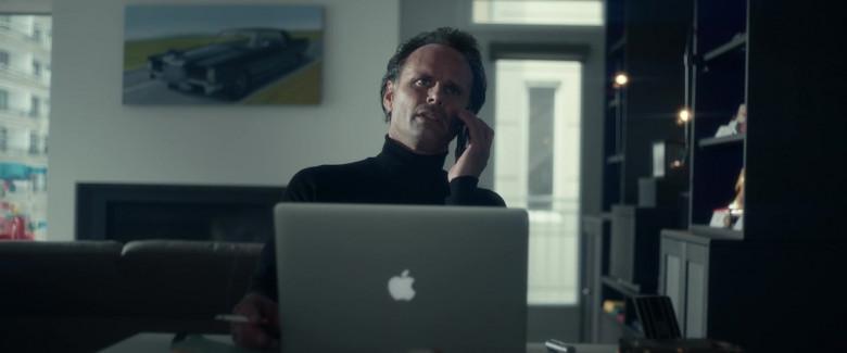 Apple MacBook Pro Laptop of Walton Goggins as Skinny Man in Fatman 2020 Movie (2)