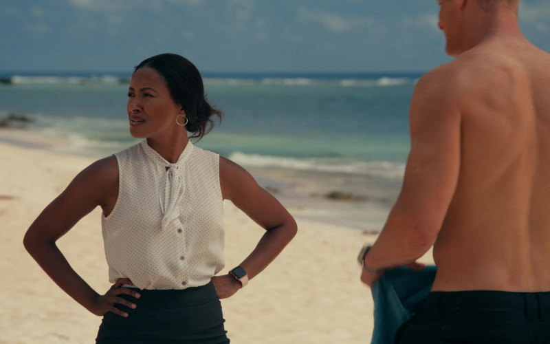 Apple Watch of Kat Graham as Erica Miller in Operation Christmas Drop (2020)