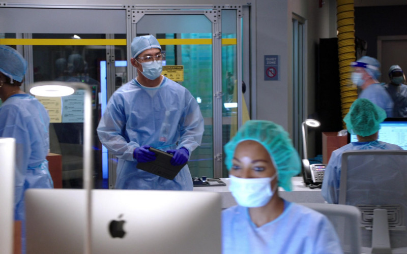 Apple iMac AIO Desktop Computers in Chicago Med S06E01 TV Series (1)