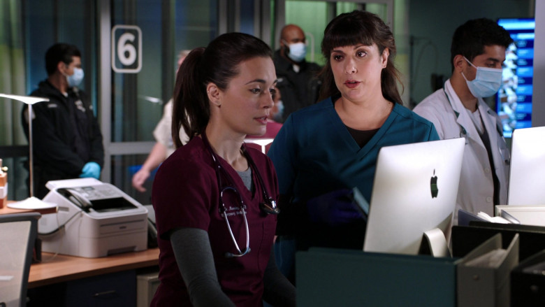 Apple iMac All-in-One Macintosh Desktop Computers in Chicago Med S06E02 (1)