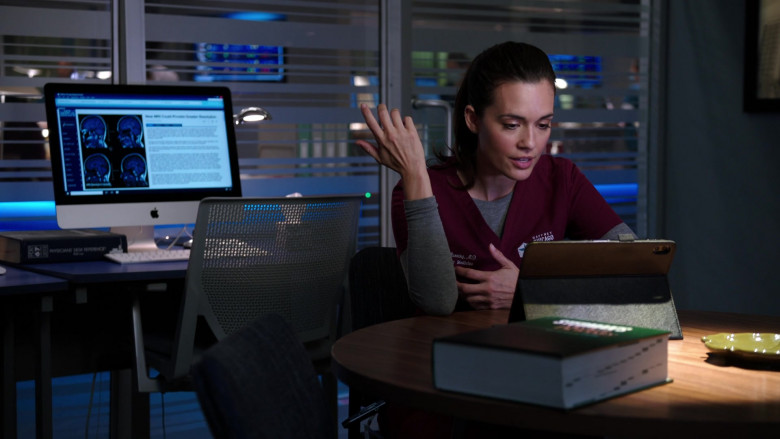 Apple iMac All-in-One Macintosh Desktop Computers in Chicago Med S06E02 (4)