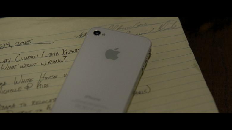 Apple iPhone White Smartphone of Freida Pinto as Usha in Hillbilly Elegy (2)