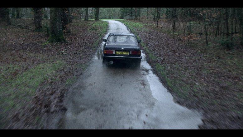 BMW Car in The Crown S04E09 TV Show (1)