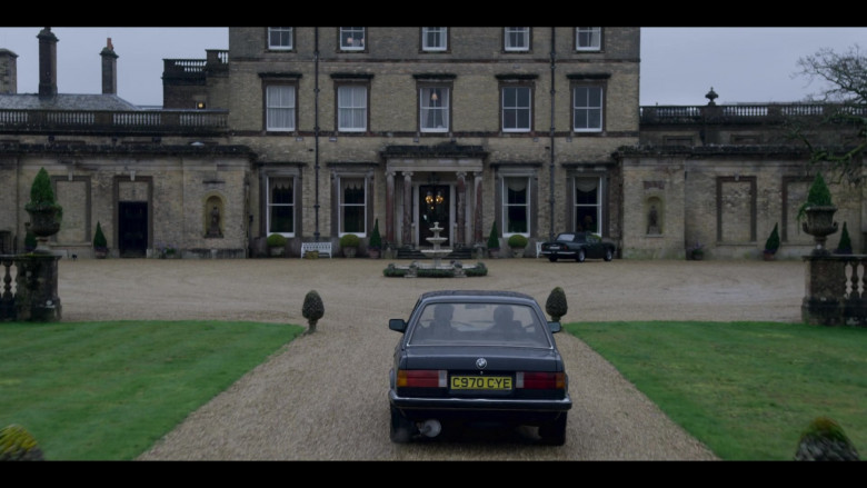 BMW Car in The Crown S04E09 TV Show (3)