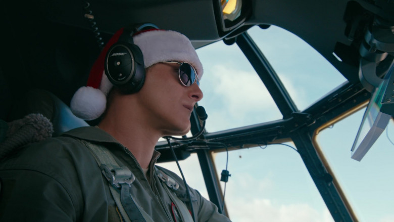Bose Aviation Headset of Alexander Ludwig as Captain Andrew Jantz in Operation Christmas Drop (1)