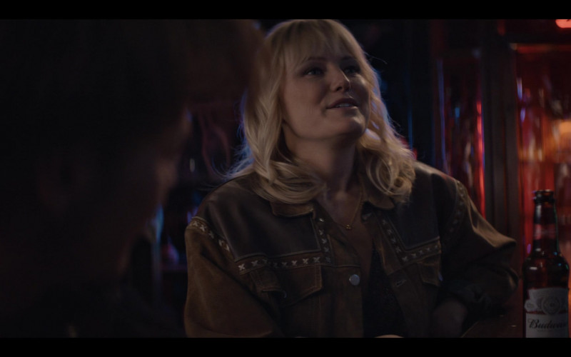 Budweiser Beer Enjoyed by Malin Akerman as Martha in Soulmates S01E05 Break on Through (2020)