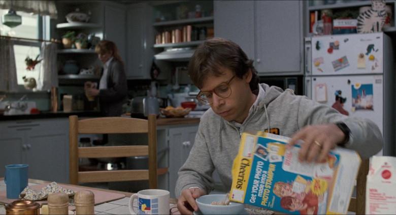 Cheerios Cereal Enjoyed by Rick Moranis as Wayne Szalinski in Honey, I Shrunk the Kids (1989)
