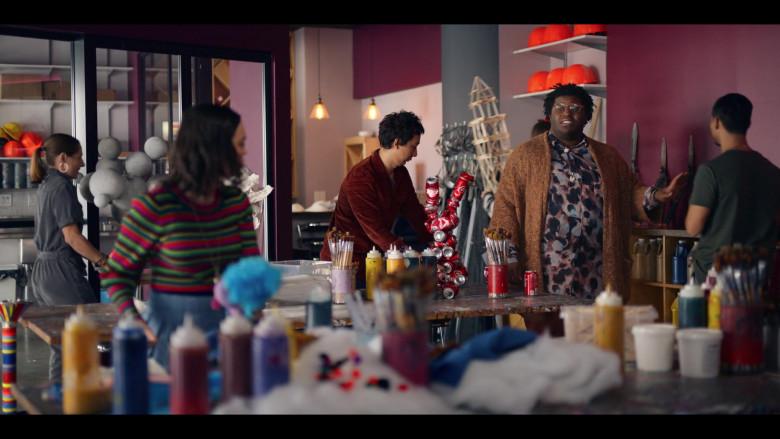Coca-Cola Cans in Dash & Lily S01E05 TV Show (3)