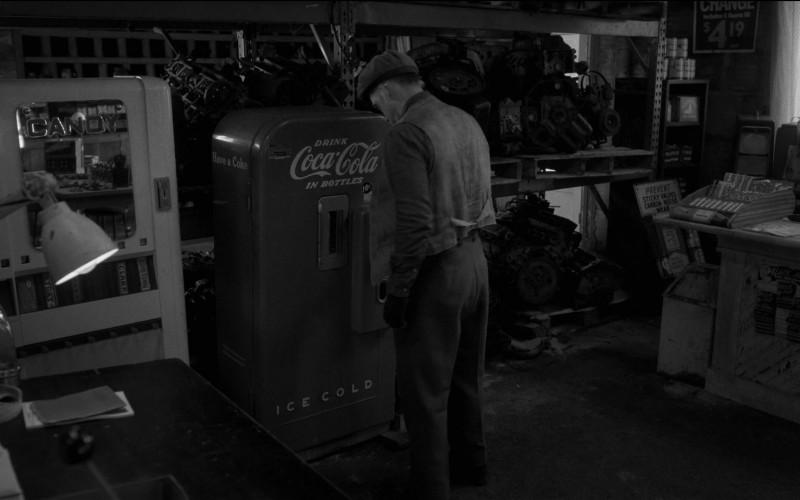 Coca-Cola Vending Machine in Fargo S04E09 TV Show (2)