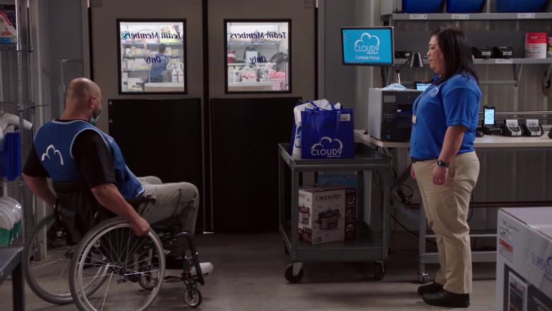 Crock-Pot The Original Slow Cooker in Superstore S06E03 Floor Supervisor (2020)