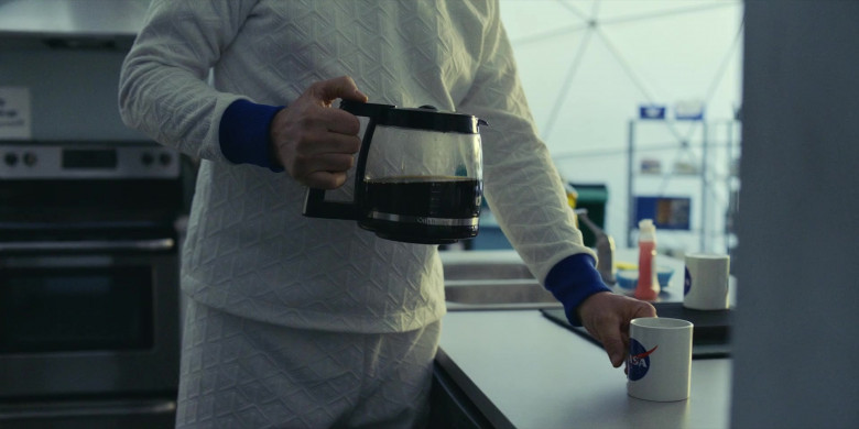 Cuisinart Coffee Maker in Moonbase 8 S01E06 Beef (2020)