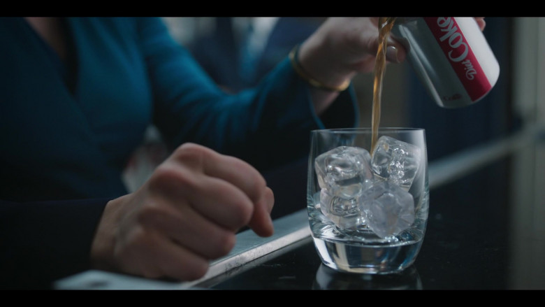 Diet Coke Soda in The Flight Attendant S01E03 Funeralia (2020)