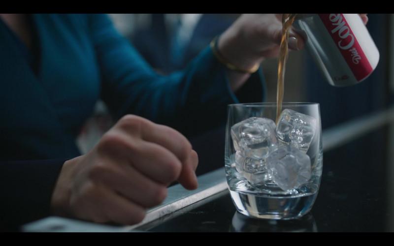 Diet Coke Soda in The Flight Attendant S01E03 Funeralia (2020)