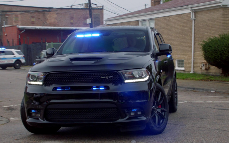 Dodge Durango Black Car of Jason Beghe as Detective Sergeant Henry 'Hank' Voight in Chicago P.D. S08E02 (1)