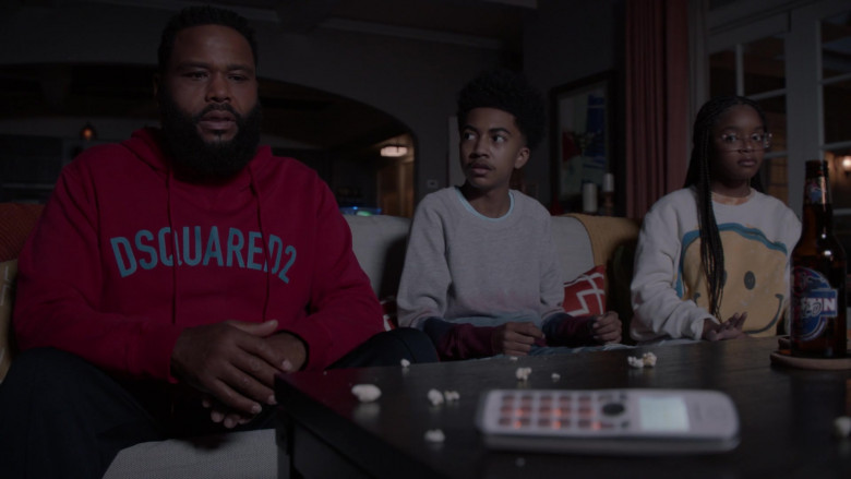 Dsquared2 Hoodie (Red) Outfit of Anthony Anderson as Andre 'Dre' Johnson in Black-ish S07E04 (3)