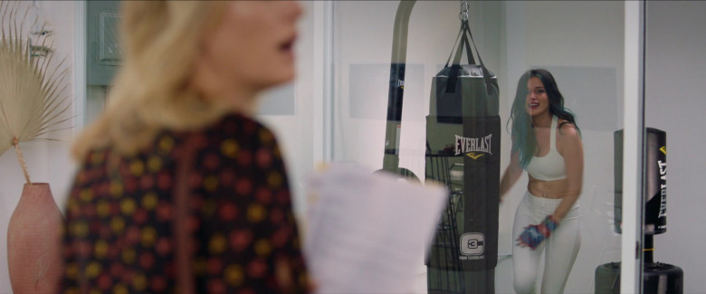 Everlast Punching Bag Used by Bella Thorne as Olivia in Chick Fight Movie (2)