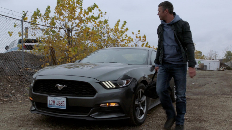 Ford Mustang Car of Taylor Kinney as Lieutenant Kelly Severide in Chicago Fire S09E02 TV Show (4)