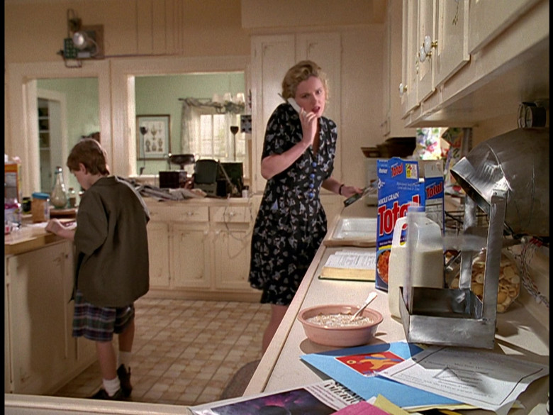 General Mills Total Cereal in Honey, We Shrunk Ourselves! (1997)