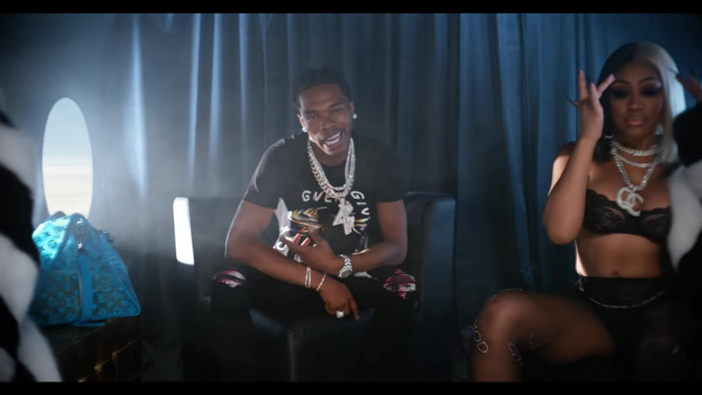 "Givenchy T-Shirts Outfits of Lil Baby in ""Flewed Out"" Music Video (2)"