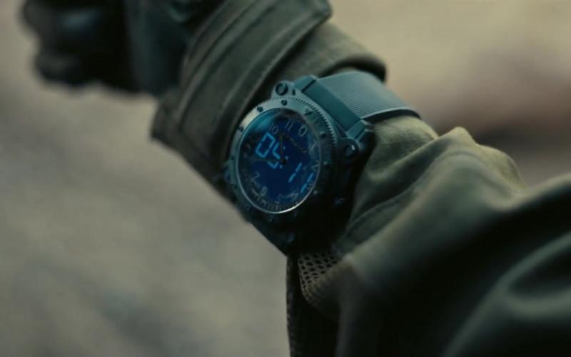 Hamilton Khaki Navy BeLOWZERO Watch of Robert Pattinson as Neil in Tenet (1)