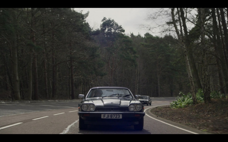 Jaguar XJ-SC Convertible Car in The Crown S04E09 TV Series (1)