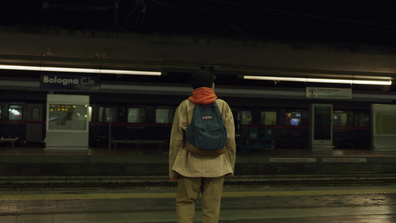 JanSport Backpack of Jordan Kristine Seamón in We Are Who We Are S01E08 (2)