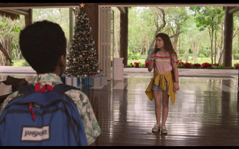 JanSport Blue Backpack of Jazhir Bruno as Jack in The Christmas Chronicles 2 (3)