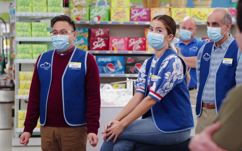LaCroix, Shasta and Pepsi Drinks in Superstore S06E03 TV Show (1)