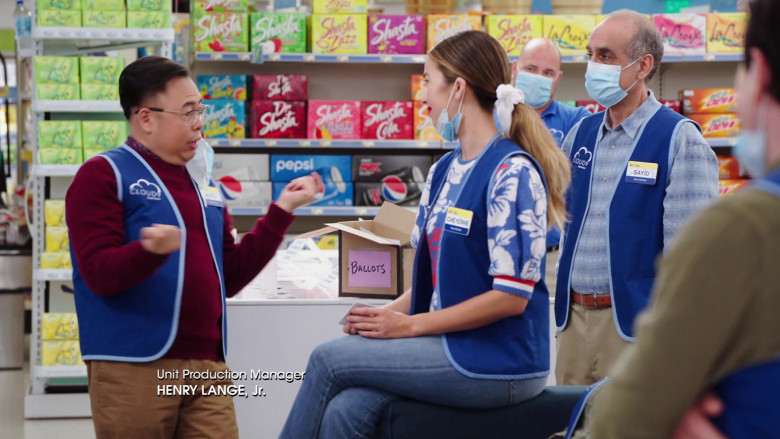 LaCroix, Shasta and Pepsi Drinks in Superstore S06E03 TV Show (2)