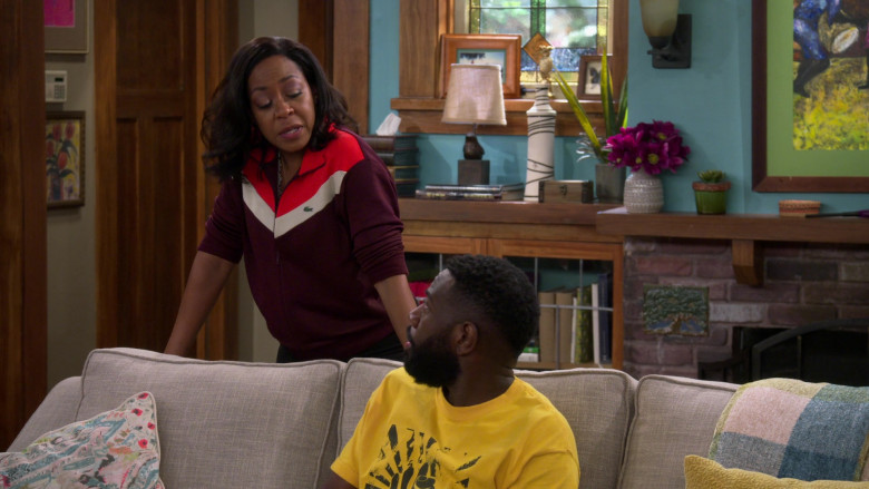 Lacoste Colorblock Zip-Up Sweatshirt Outfit of Tichina Arnold as Tina in The Neighborhood S03E01 TV Show (1)