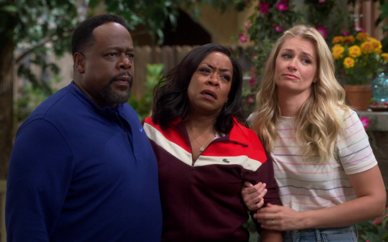 Lacoste Colorblock Zip-Up Sweatshirt Outfit of Tichina Arnold as Tina in The Neighborhood S03E01 TV Show (2)