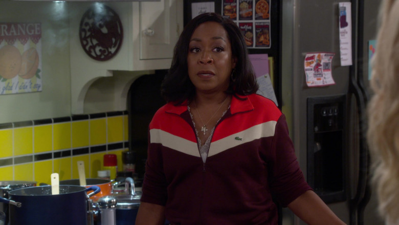 Lacoste Colorblock Zip-Up Sweatshirt Outfit of Tichina Arnold as Tina in The Neighborhood S03E01 TV Show (3)