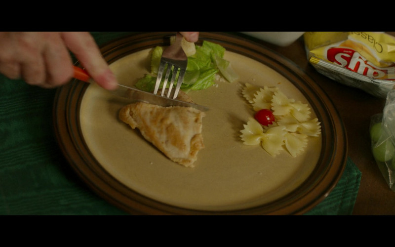 Lay's Classic Chips in Hillbilly Elegy (2)